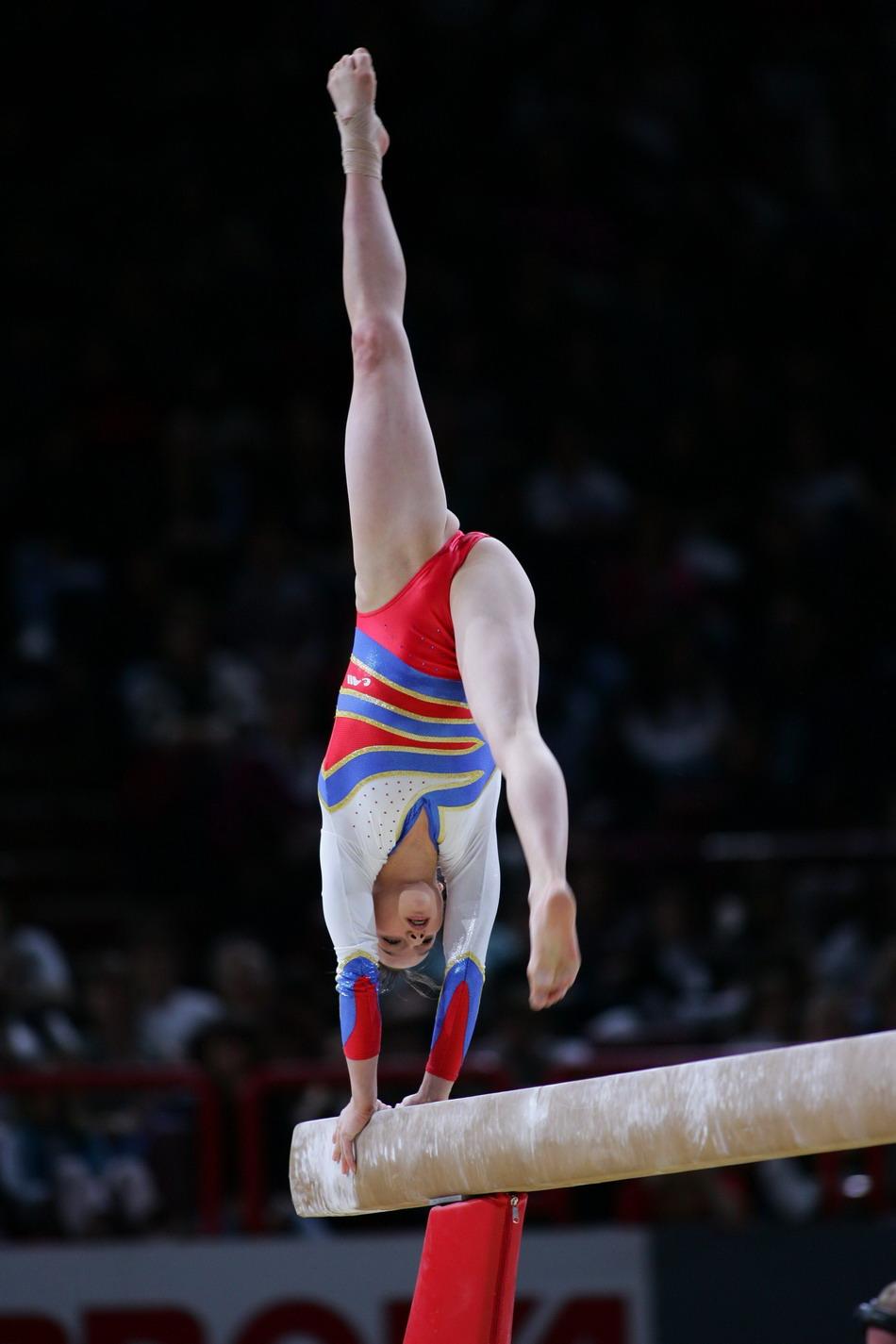Спортсменка с гимнастики 15 фотография